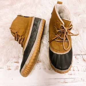 NWT JBU ankle winter duck boots